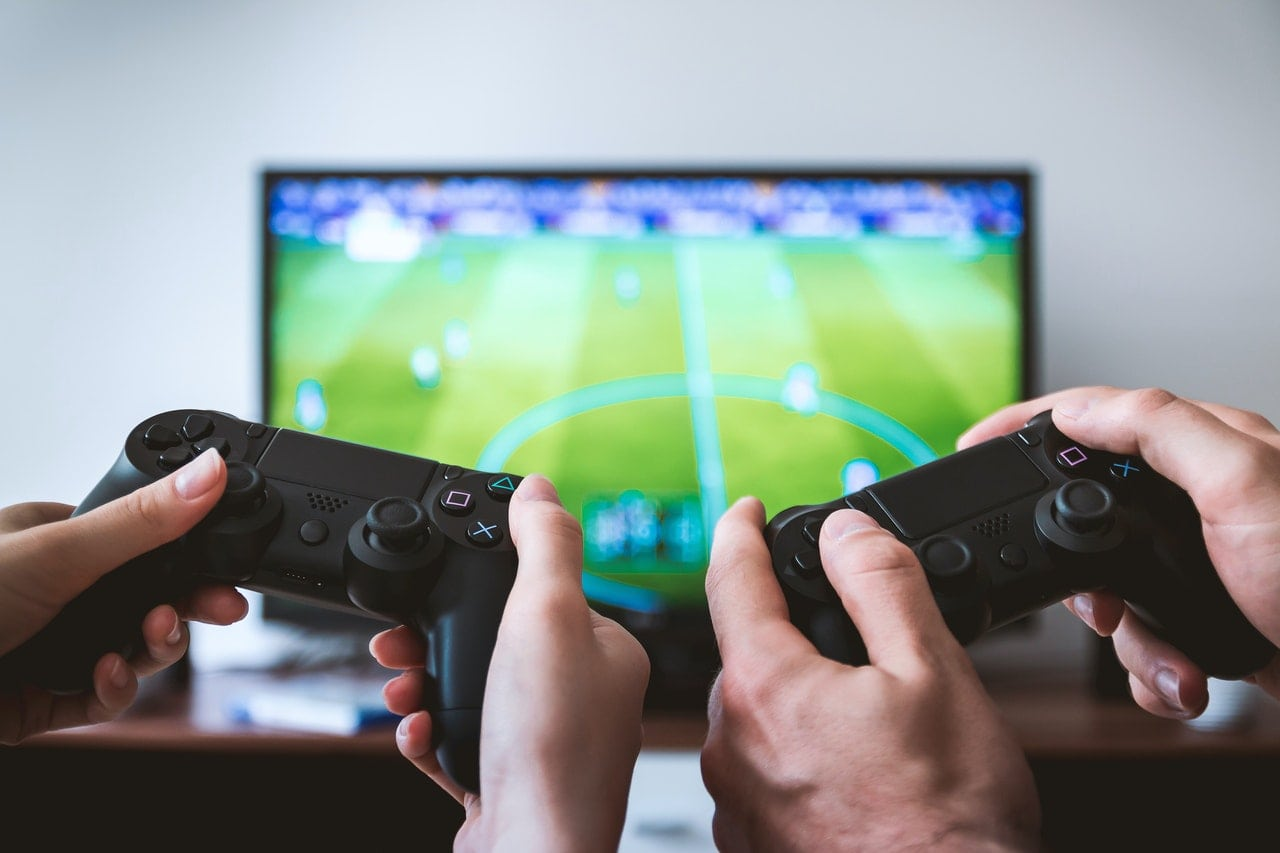 Sony Plans to Accept Patent that Would Allow Live eSports Betting In-Game